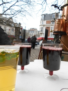 Mulled wine and mint tea in the shadows of Sacre Coeur.