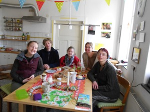 Me, Imke, Jenny, Wilma and Heike, all celebrating my 26th birthday with a dried fruit and nut cake/bread!