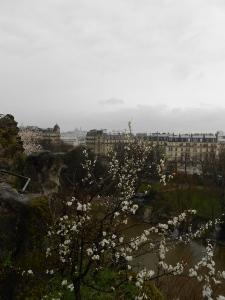 Coolest park in Paris. Buttes Chaumont.